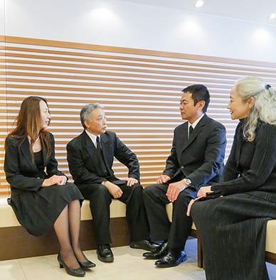 家族葬の控室風景