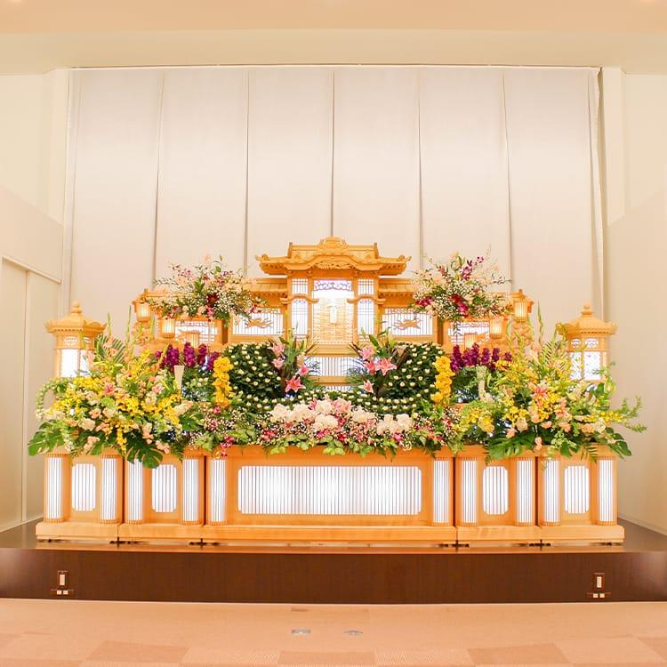 西ホール・祭壇