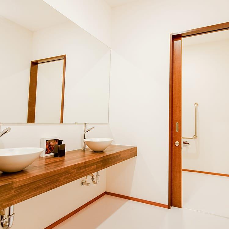 西ホール・親族控室・専用お手洗い