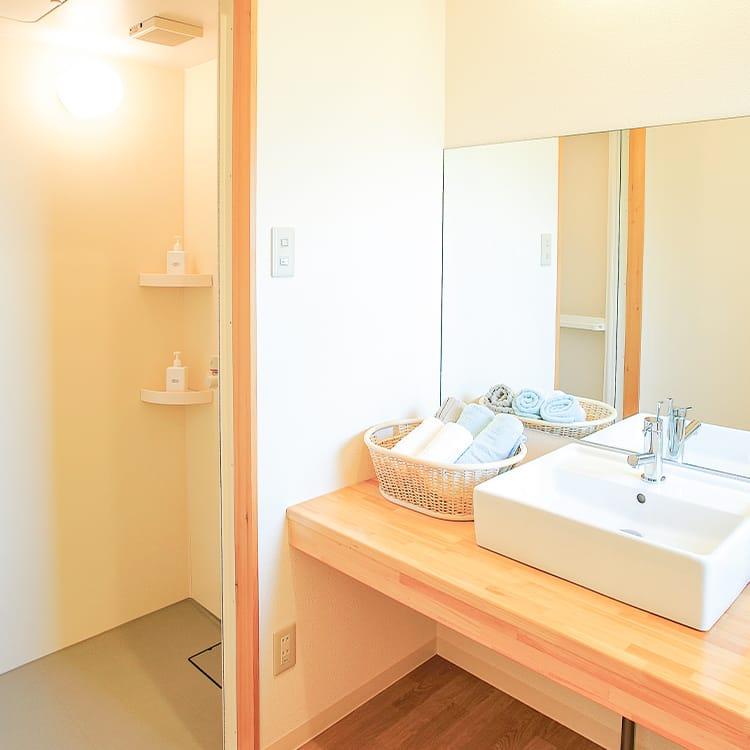 南ホール・洗面所パウダールーム・浴室